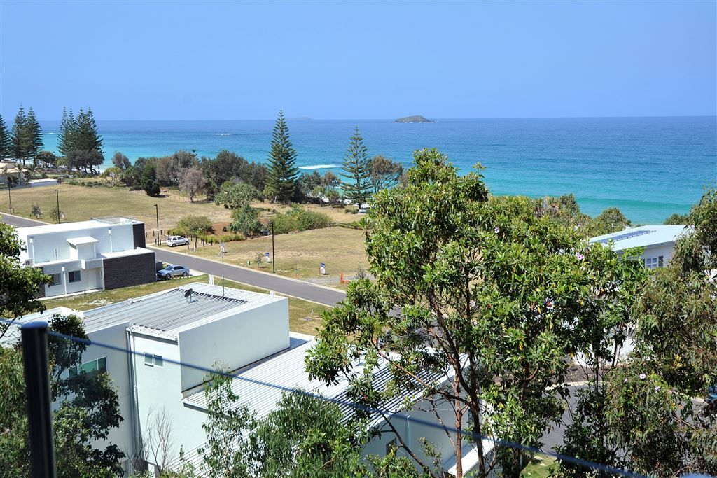 4 Beachfront Close, Sapphire Beach NSW 2450, Image 1