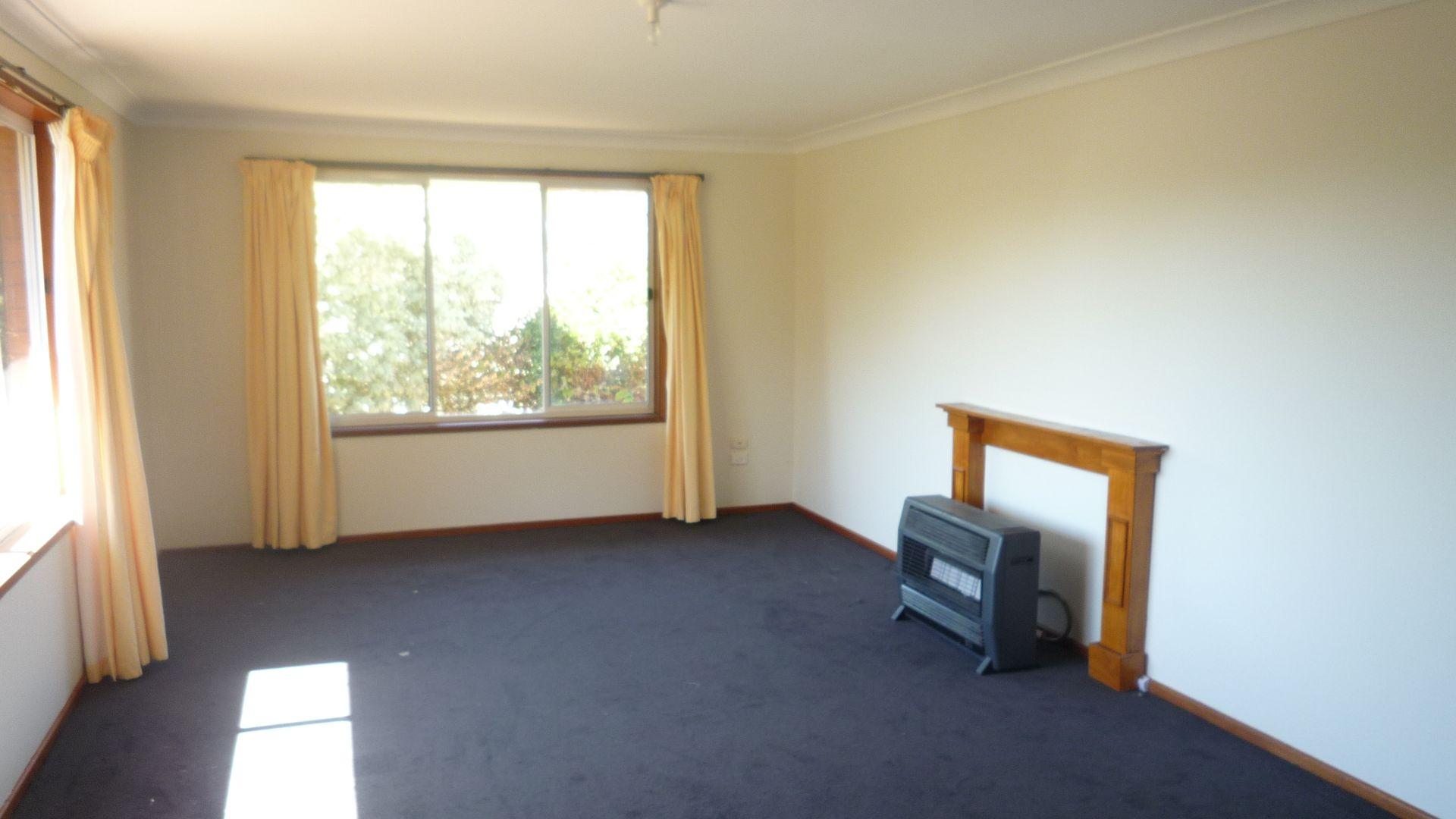 6 Kalkadoon Place, Orange NSW 2800, Image 2