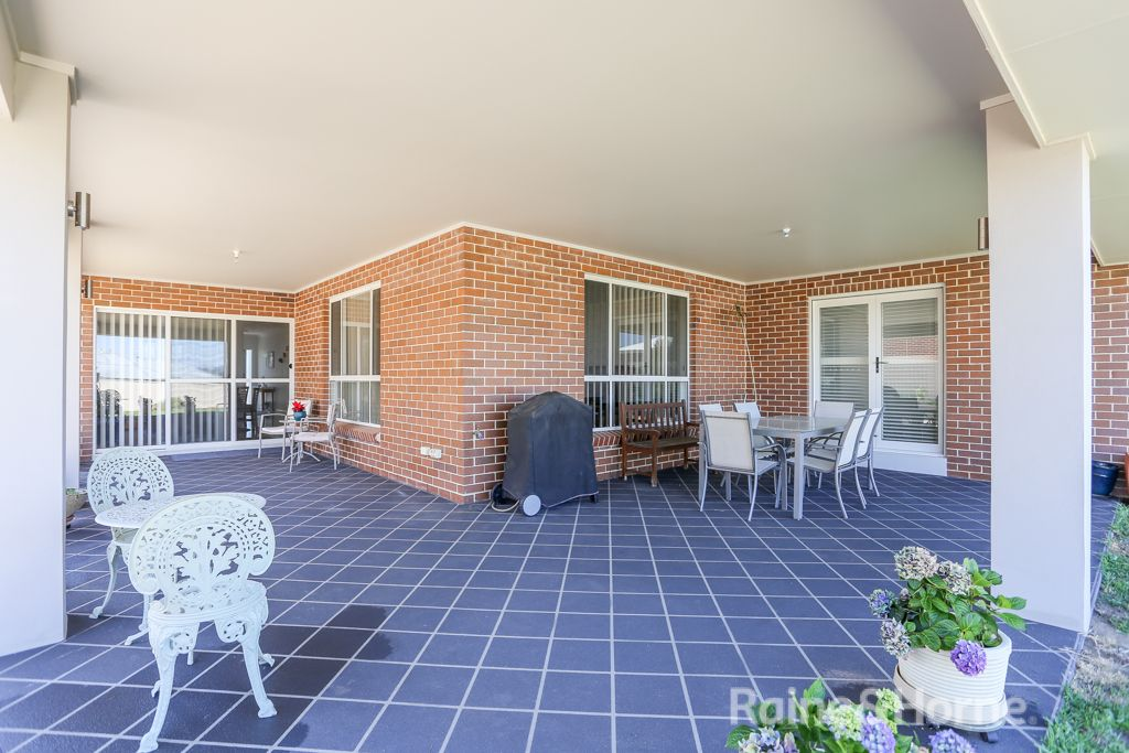 6 She Oak Close, Kelso NSW 2795, Image 2
