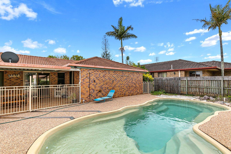 21 Renee Court, Torquay QLD 4655, Image 2