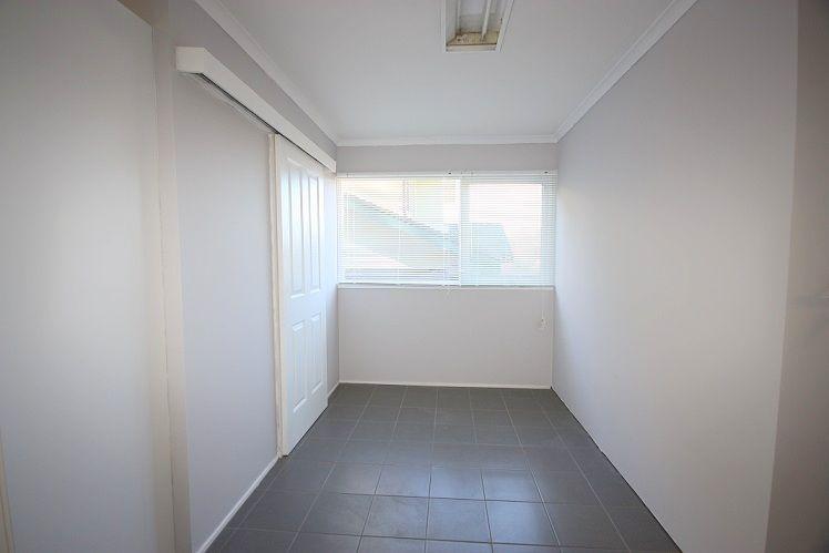 11 Poplar Crescent, Bradbury NSW 2560, Image 1