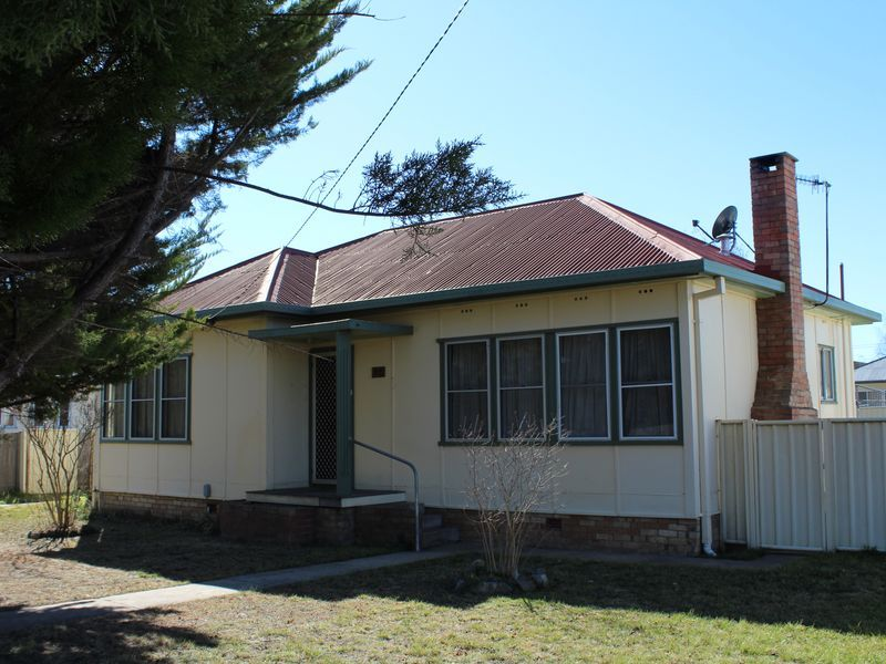 37 Lewis Street, Glen Innes NSW 2370, Image 0