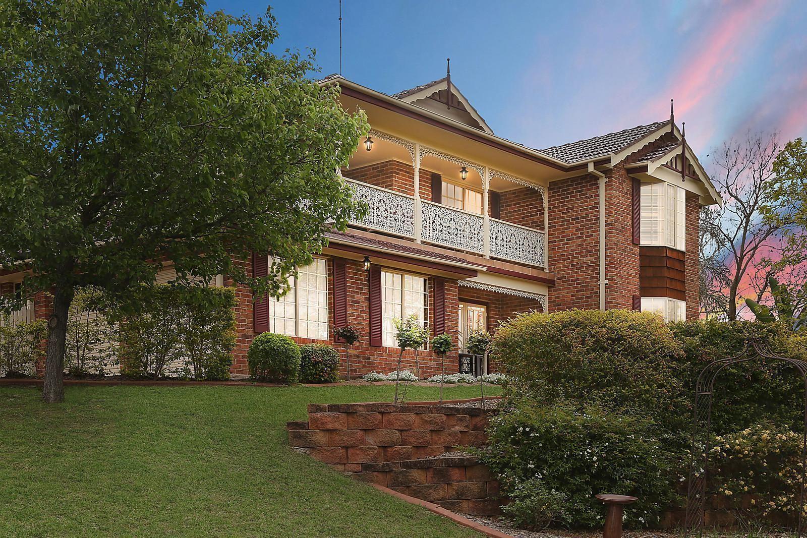1 Hythe Place, Glen Alpine NSW 2560, Image 0