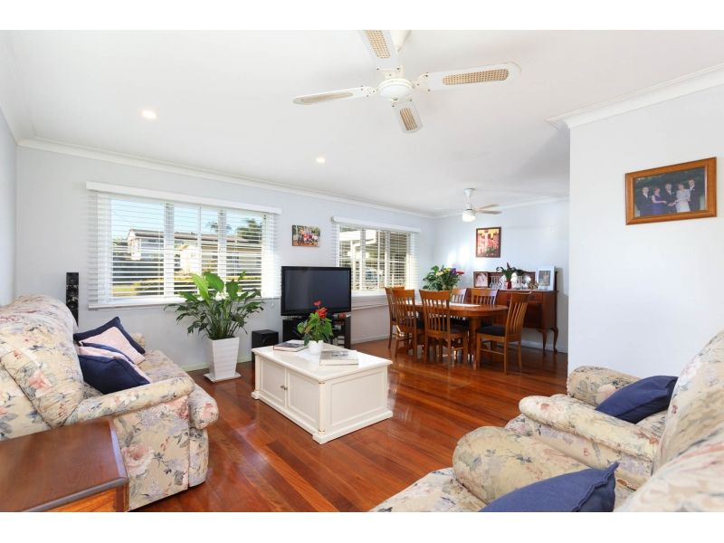 44 Leona Street, Boondall QLD 4034, Image 2