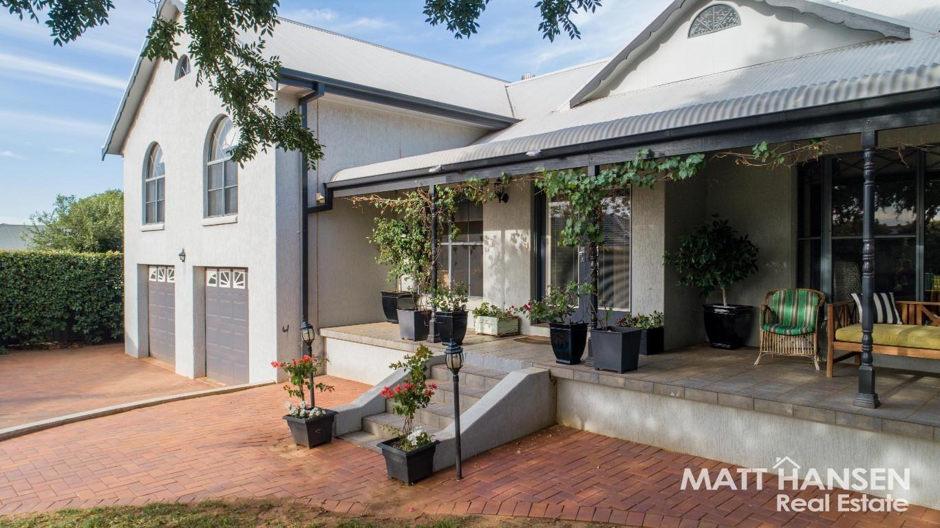 4 Hillcrest  Place, Dubbo NSW 2830, Image 0