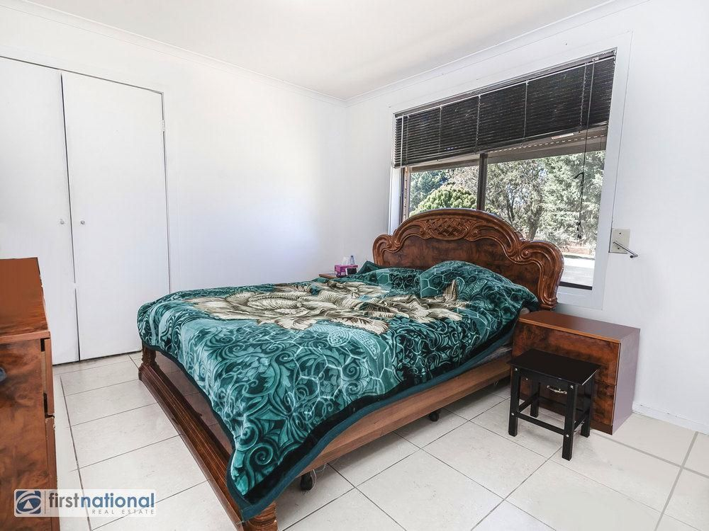 4 Keogh Court, Meadow Heights VIC 3048, Image 2