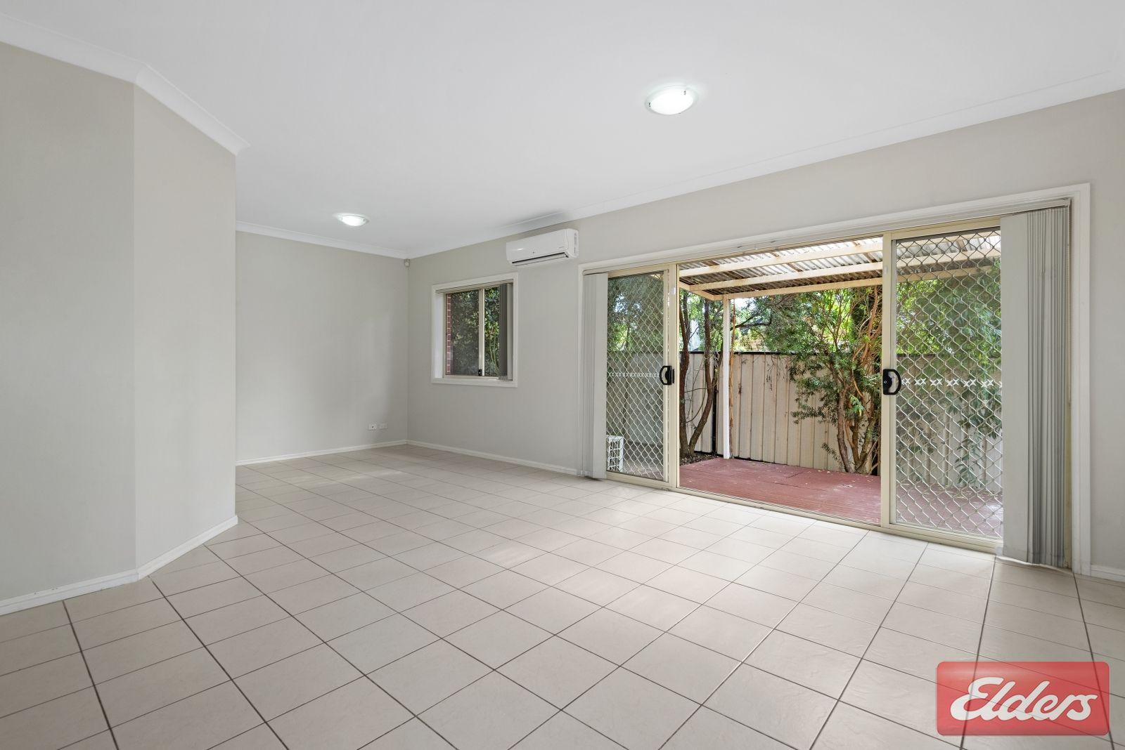 12 Tungarra Road, Girraween NSW 2145, Image 2
