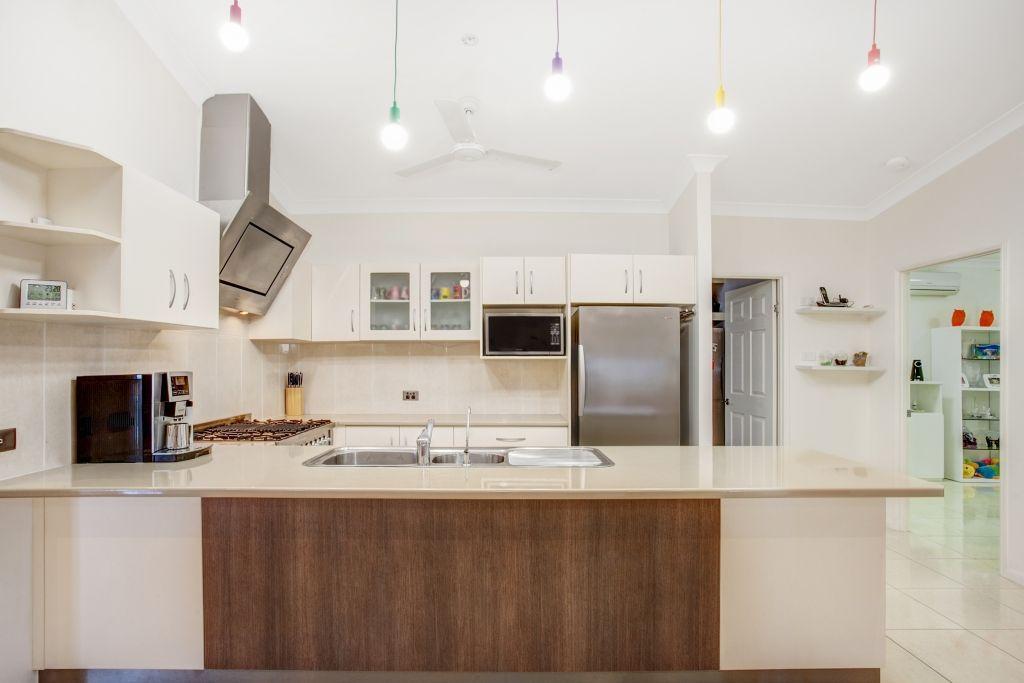 27 Daintree Drive, Bushland Beach QLD 4818, Image 2