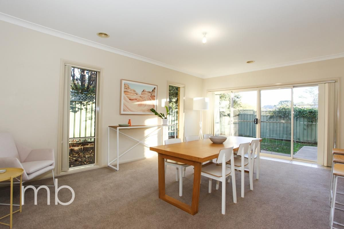 11 Roselawn Drive, Orange NSW 2800, Image 2