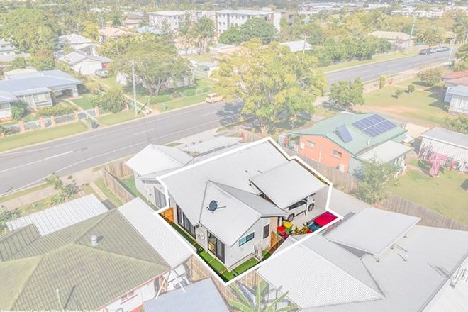 Picture of 2/3 York Street, BEENLEIGH QLD 4207