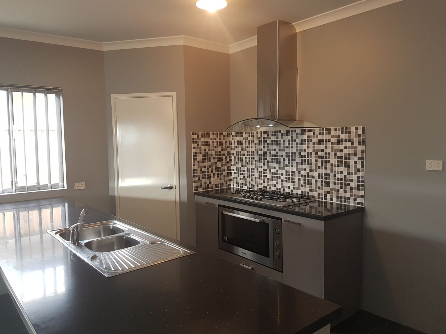 75 Monticello Parkway, Piara Waters WA 6112, Image 2