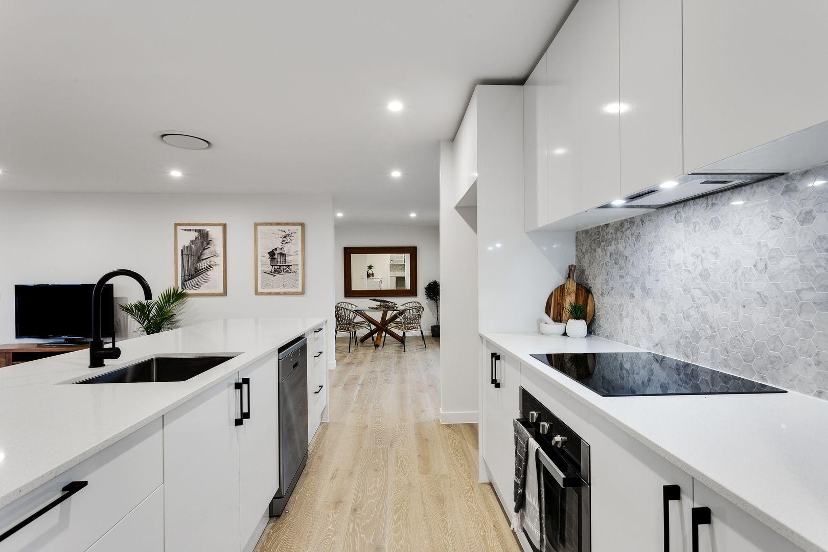 126 Slatyer Avenue, Bundall QLD 4217, Image 2