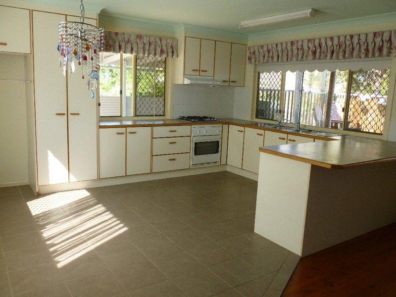 46 COORONG STREET, MacLeay Island QLD 4184, Image 2