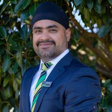 Inder Vasu, Sales Professional