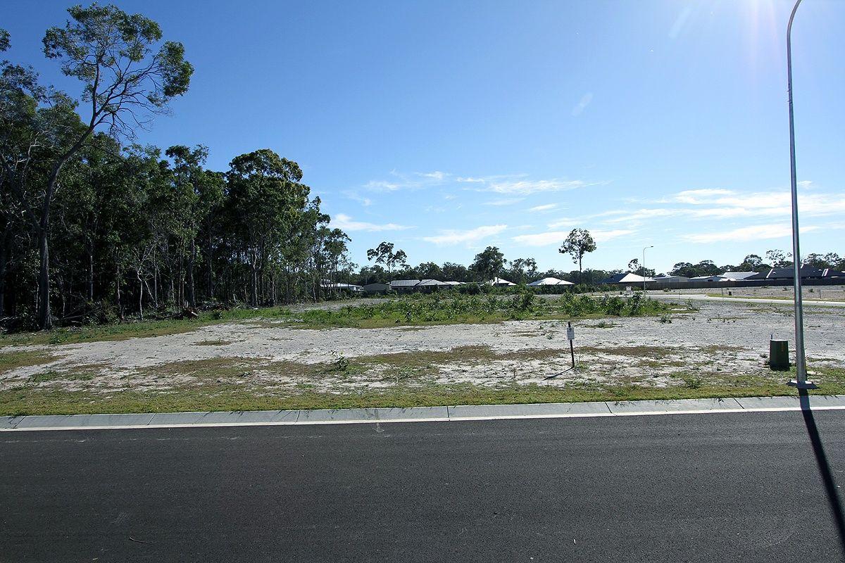 27 Tina Drive, Urangan QLD 4655, Image 1