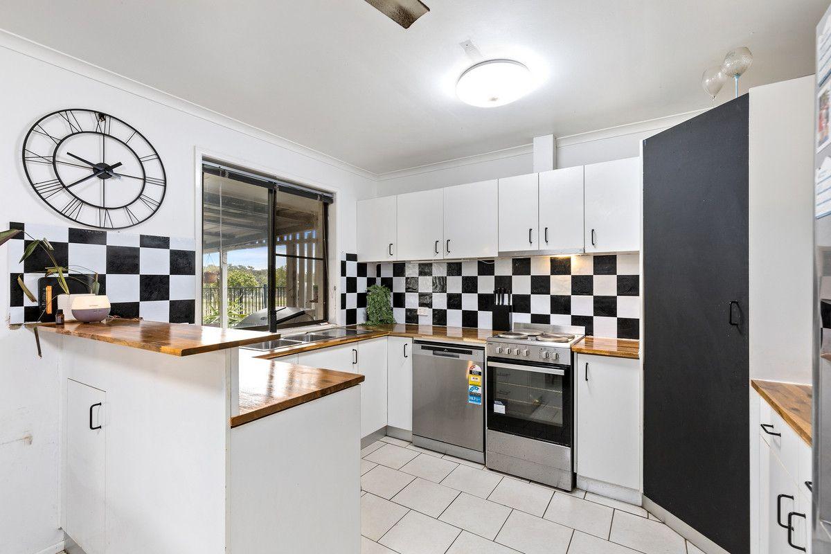 21 Clifford Street, Meringandan West QLD 4352, Image 2