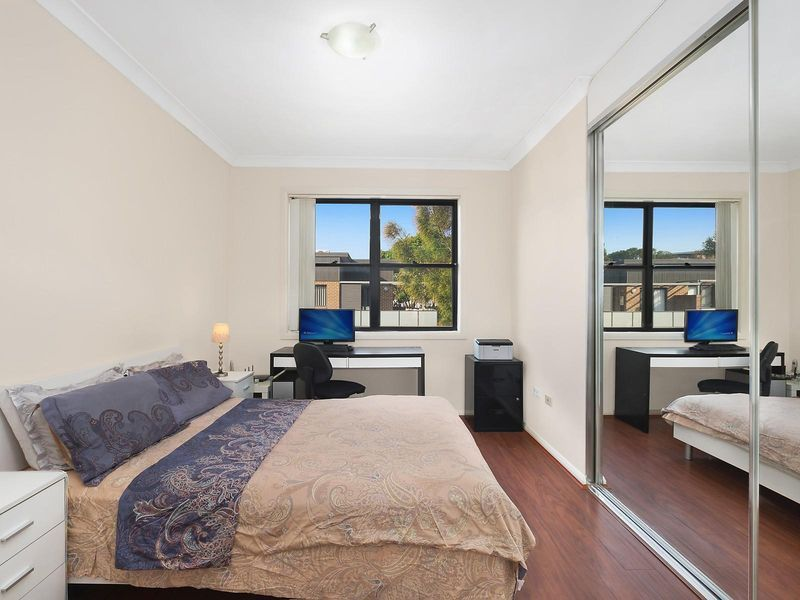 4/13 Howard Avenue, Northmead NSW 2152, Image 2
