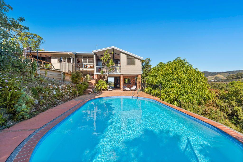 37 Campbell Cl, Korora NSW 2450, Image 0