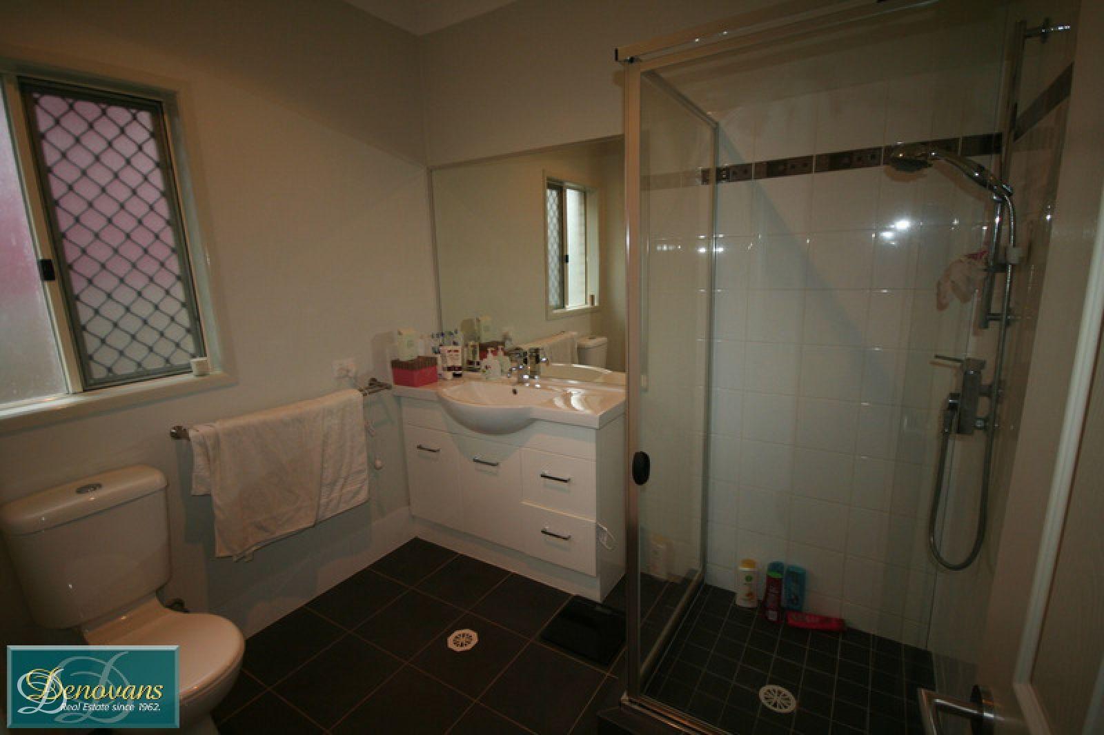 11 Hoben Street, Mitchelton QLD 4053, Image 2