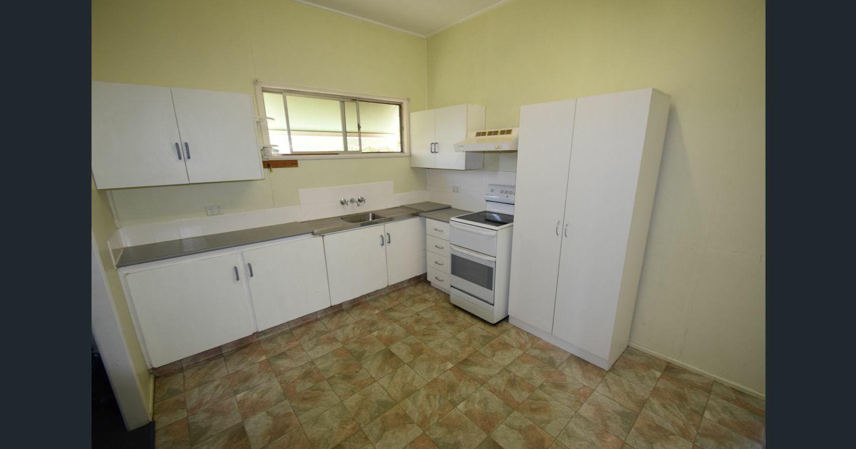 19 Mary Street, Toogoolawah QLD 4313, Image 2