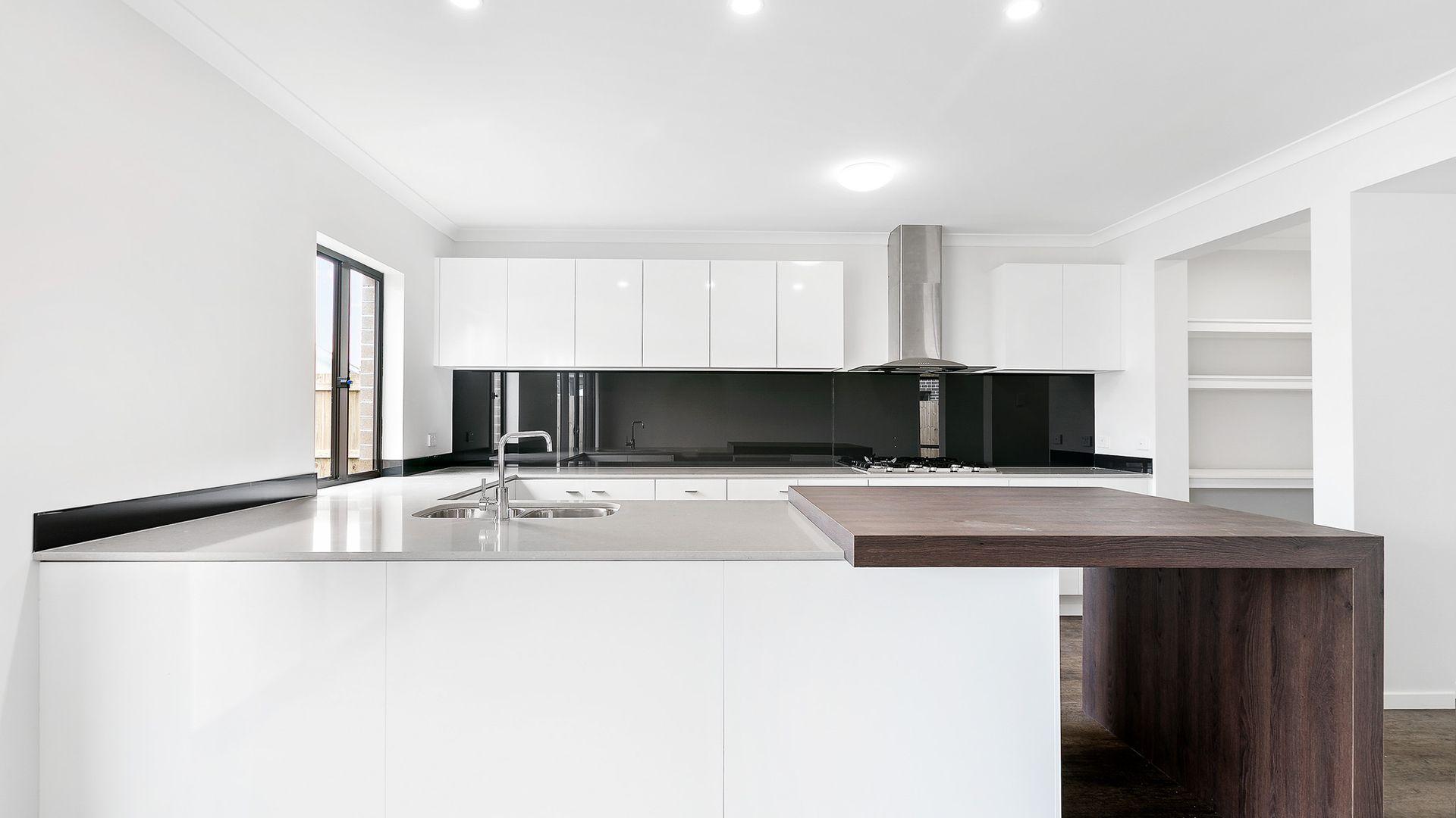 8 Eden Drive, Caloundra West QLD 4551, Image 2