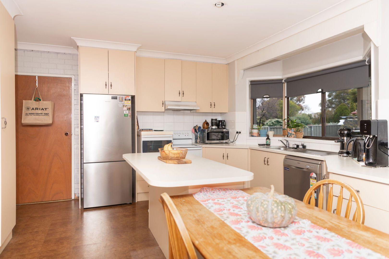 8 Inala Place, Cootamundra NSW 2590, Image 1