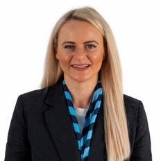 Hayley Staltari, Sales representative