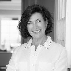 Joanna Gianniotis, Sales representative