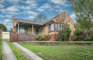 Picture of 19 Darbyshire Road, Mount Waverley VIC 3149