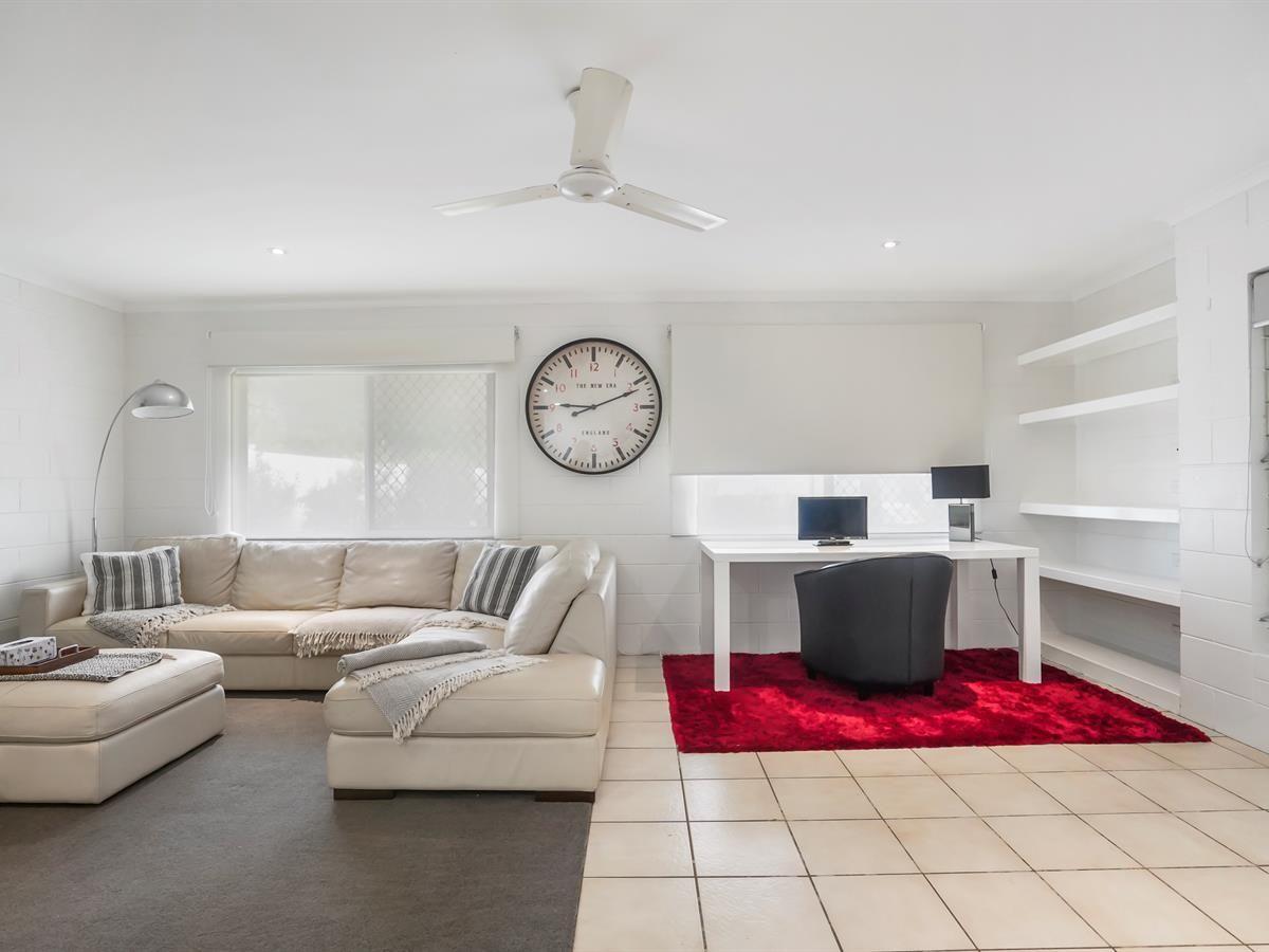 21 Hudson Street, Whitfield QLD 4870, Image 2