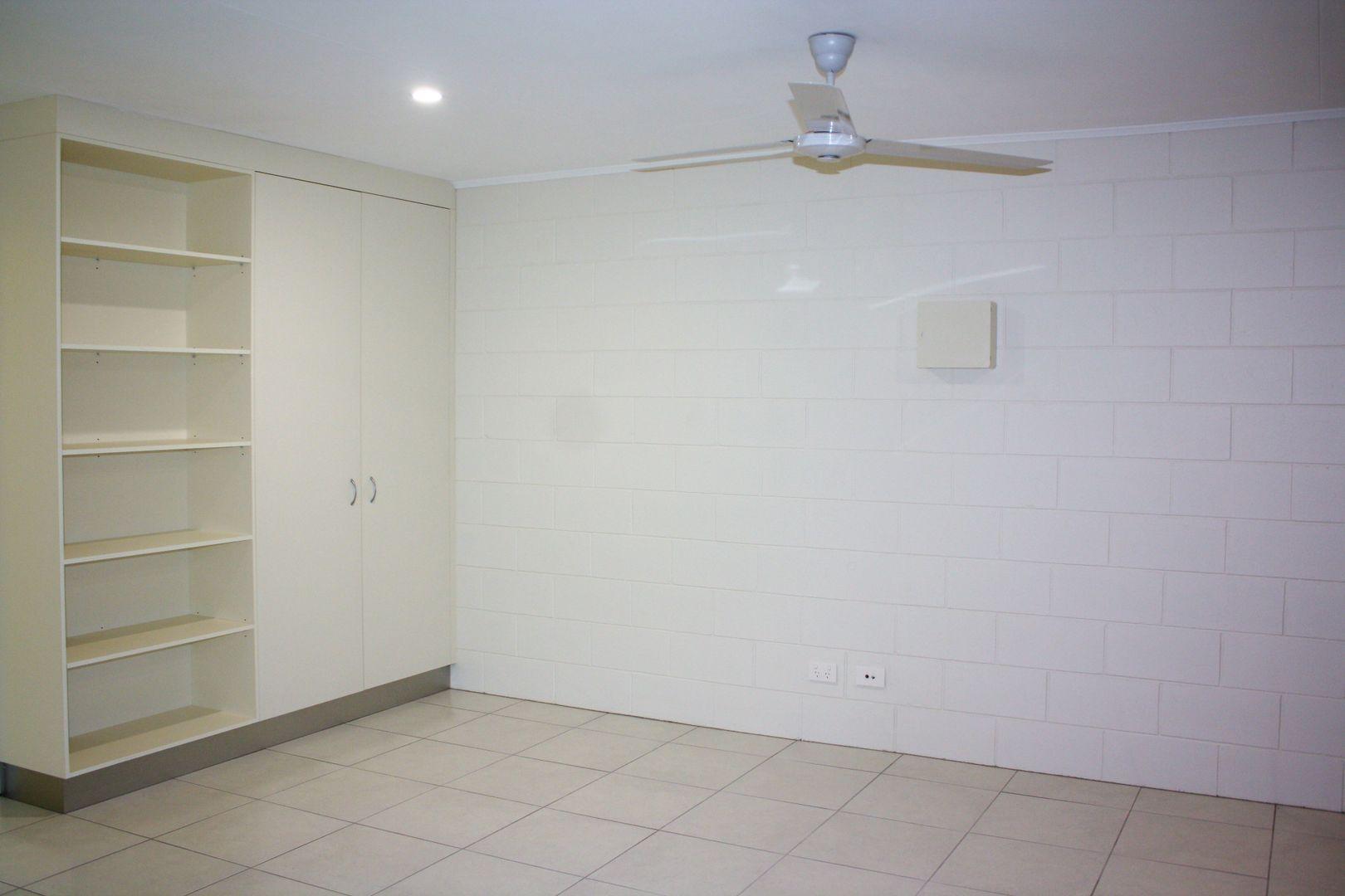 2/3 Elgata Close, Woree QLD 4868, Image 2
