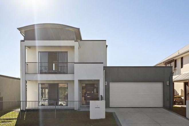 Picture of 7 Magnetic Street, KAWANA ISLAND QLD 4575