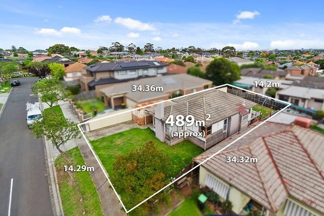 Picture of 5 Gibson Court, ESSENDON VIC 3040