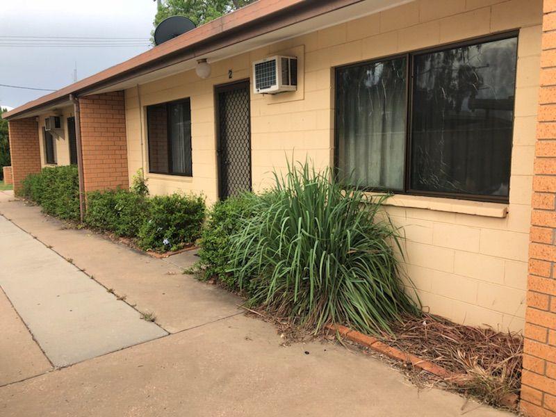 2/18 Esmond Street, Emerald QLD 4720, Image 0