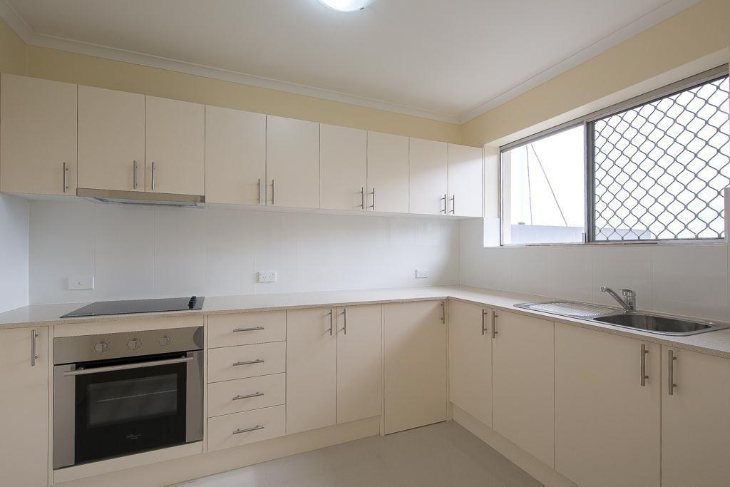 3/54 Crest Street, Mount Gravatt East QLD 4122, Image 2