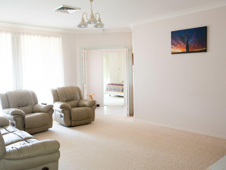 44 Twickenham Drive, Dubbo NSW 2830, Image 1