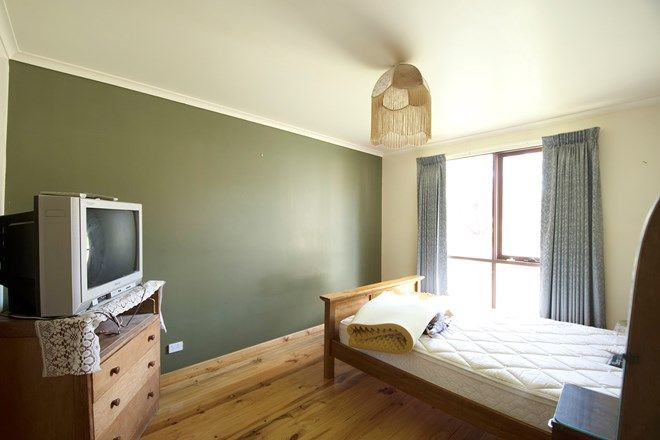 Picture of 19 Parker Street, GUILDFORD VIC 3451