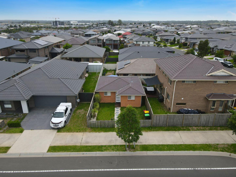 22 Morris Street, Oran Park NSW 2570, Image 2