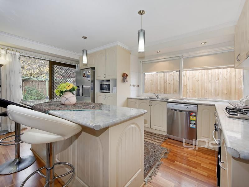 10 Camms Way, Meadow Heights VIC 3048, Image 2
