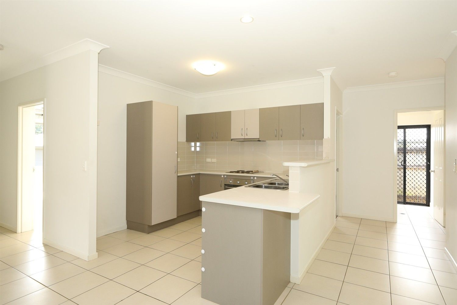 17 Ainscow Drive, Bentley Park QLD 4869, Image 2