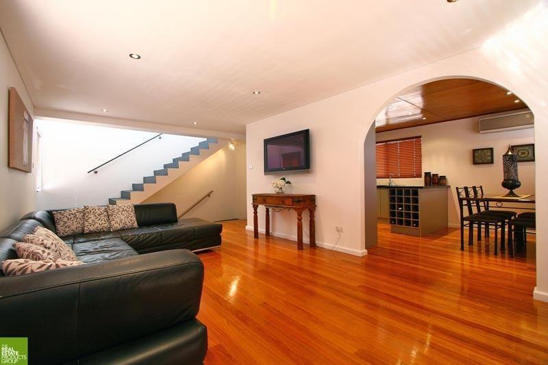 1/3 Loftus Street, Wollongong NSW 2500, Image 1