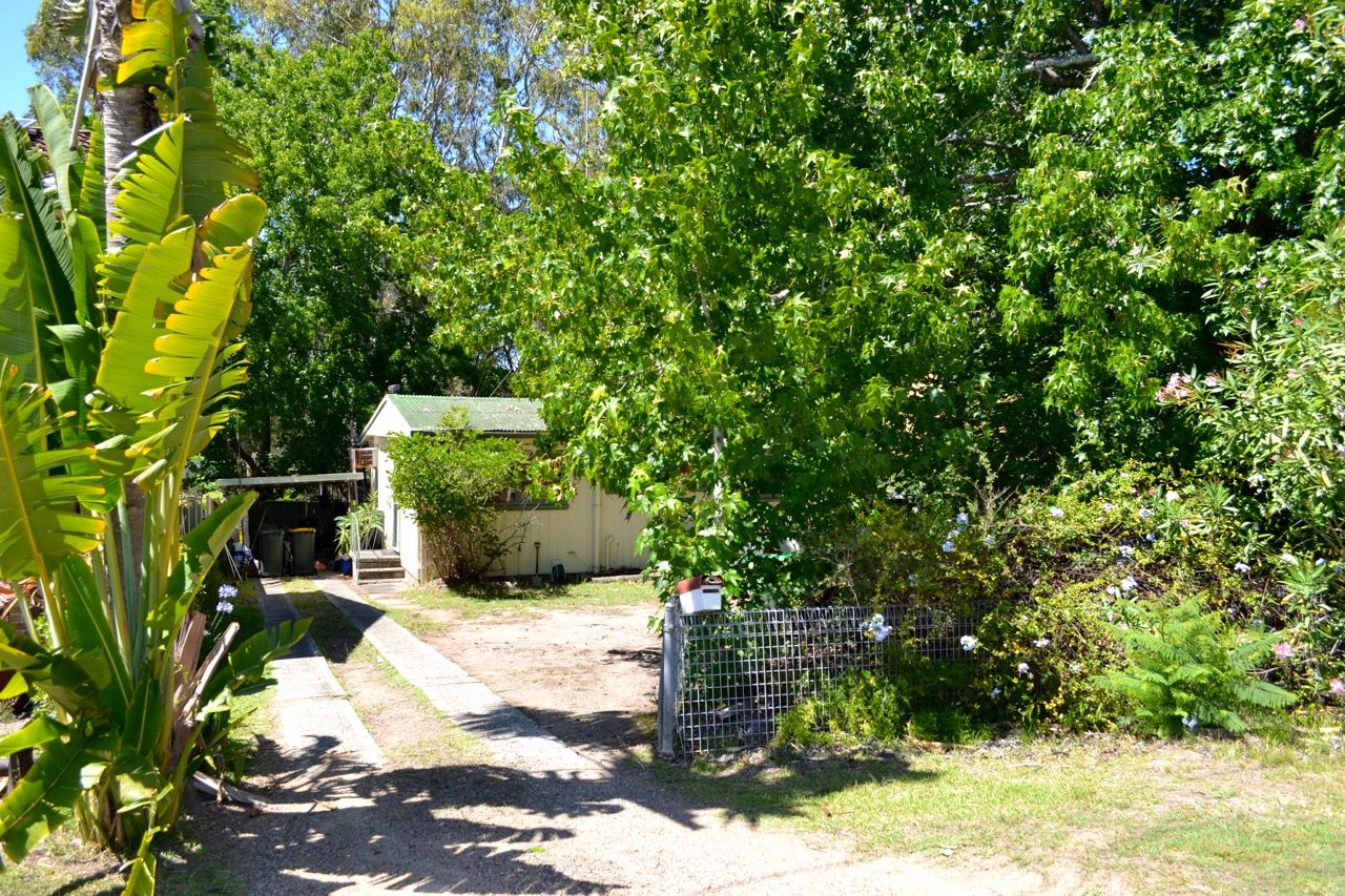24 Rhodes Parade, Windermere Park NSW 2264, Image 1