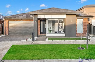 Picture of 34 Holbrook Crescent, Kalkallo VIC 3064