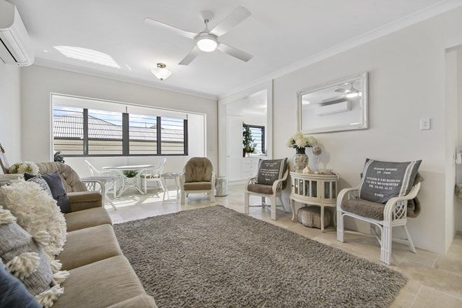 Picture of 1/427 Esplanade, MANLY QLD 4179