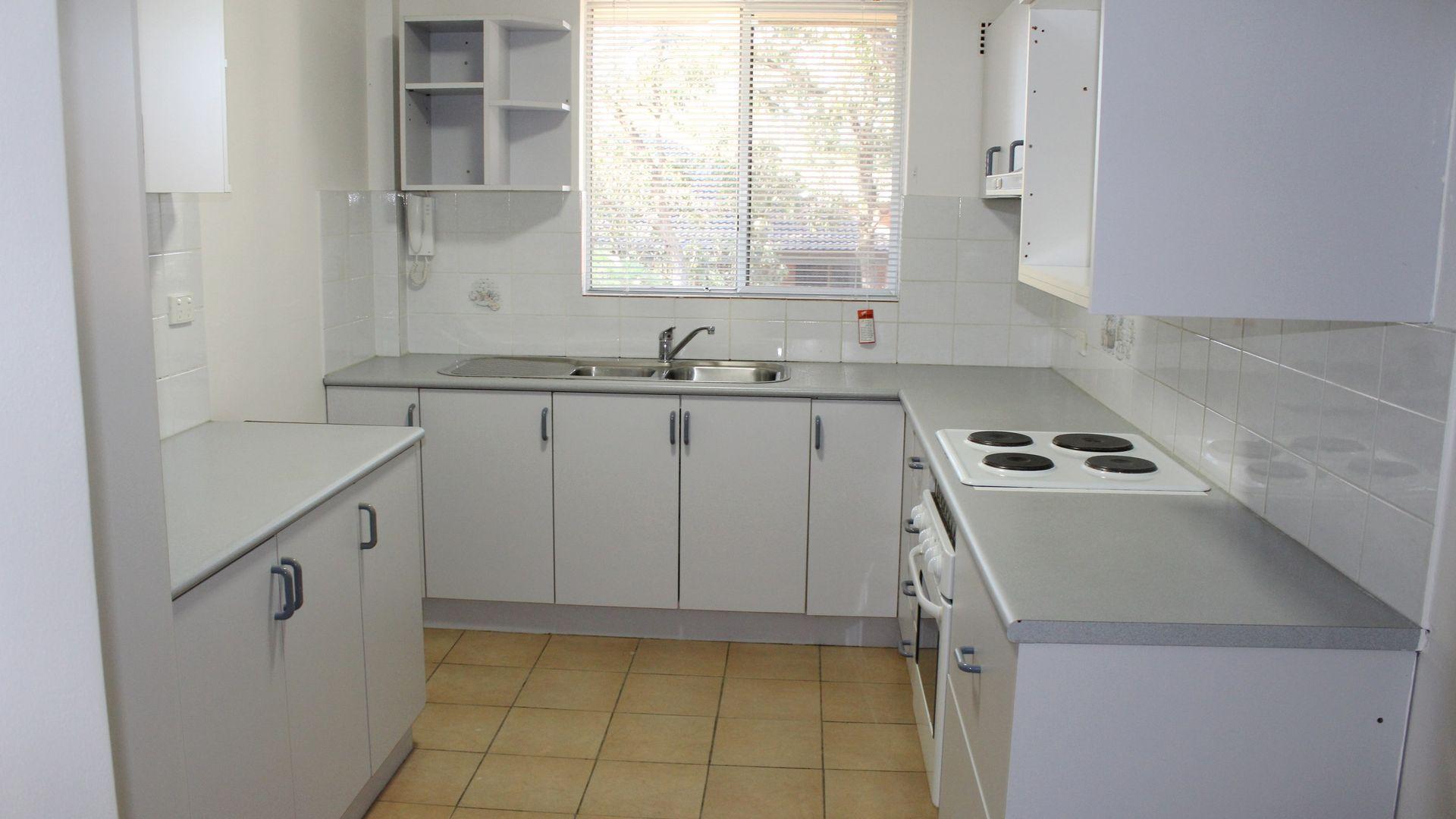 24/76-82 Glencoe Street, Sutherland NSW 2232, Image 2