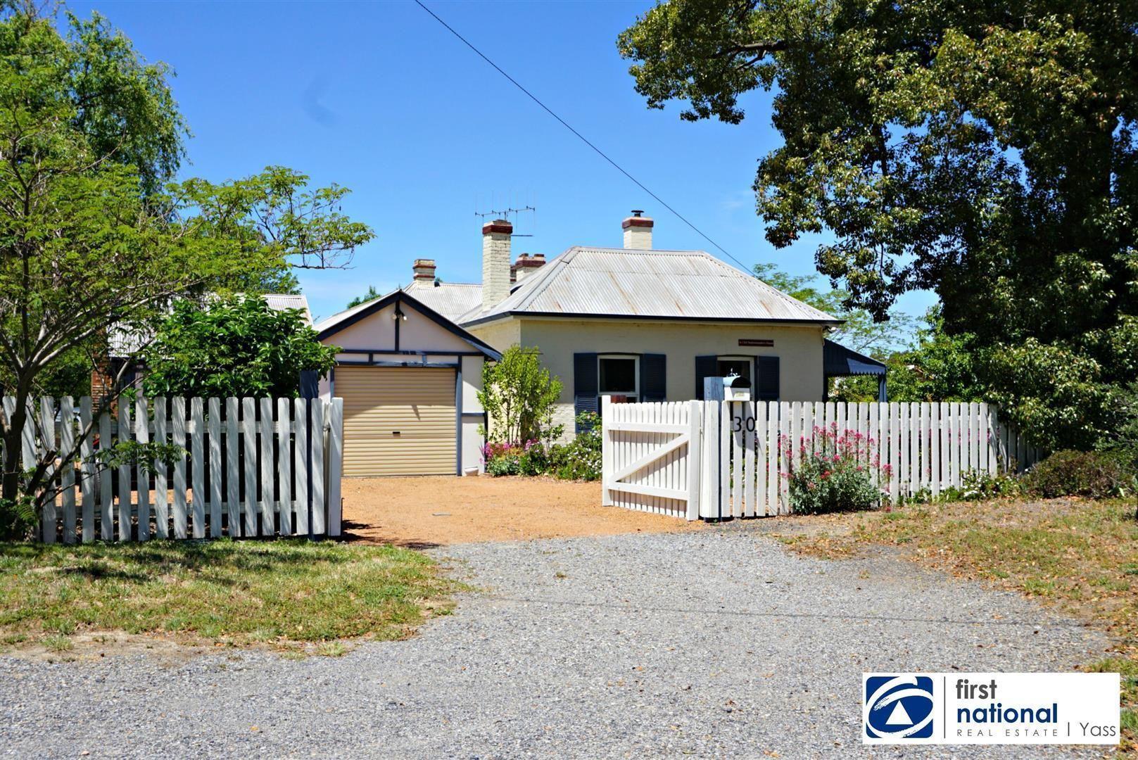 30 Dutton Street, Yass NSW 2582, Image 2