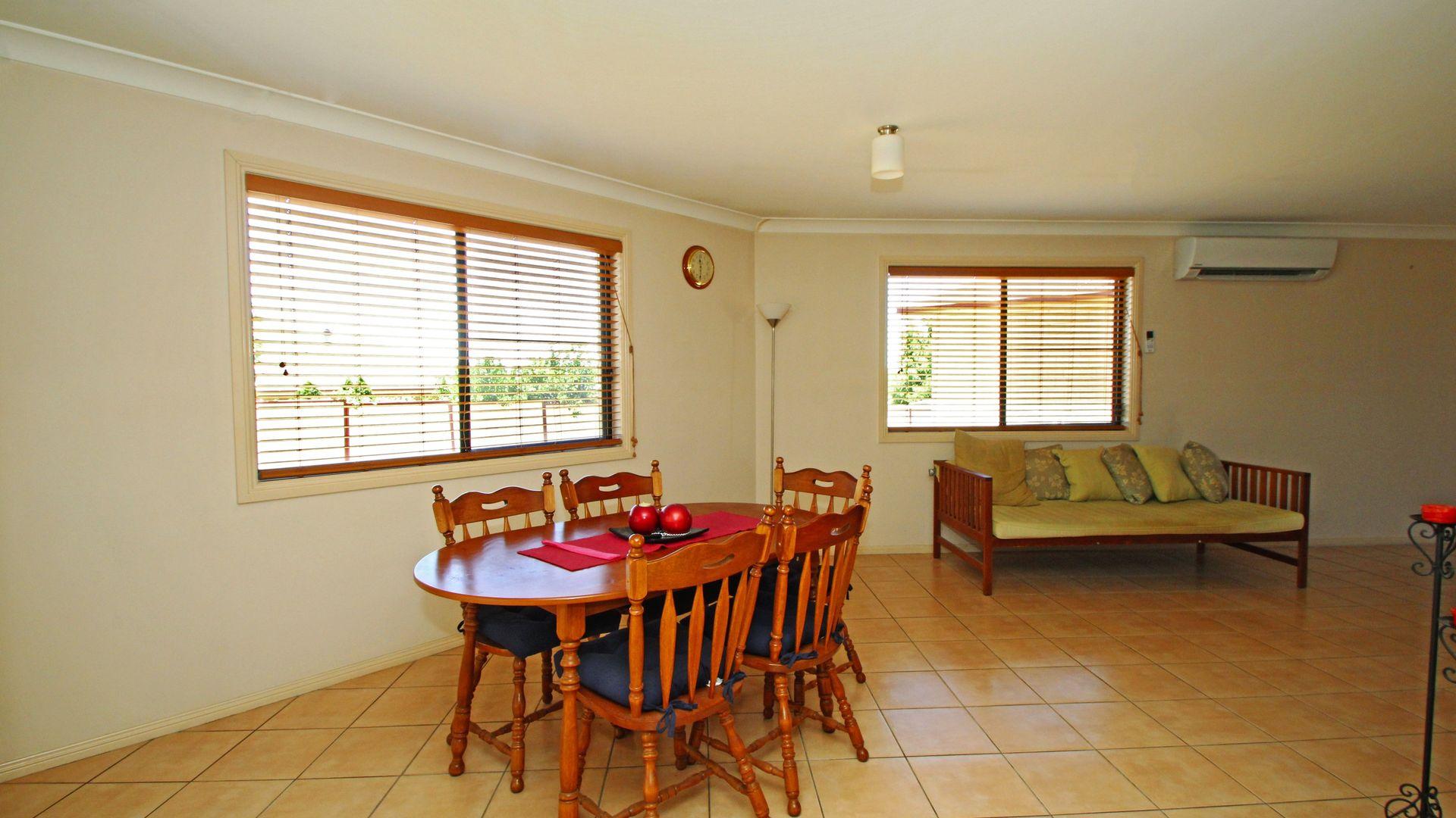 17 Davis Pl, Warwick QLD 4370, Image 2