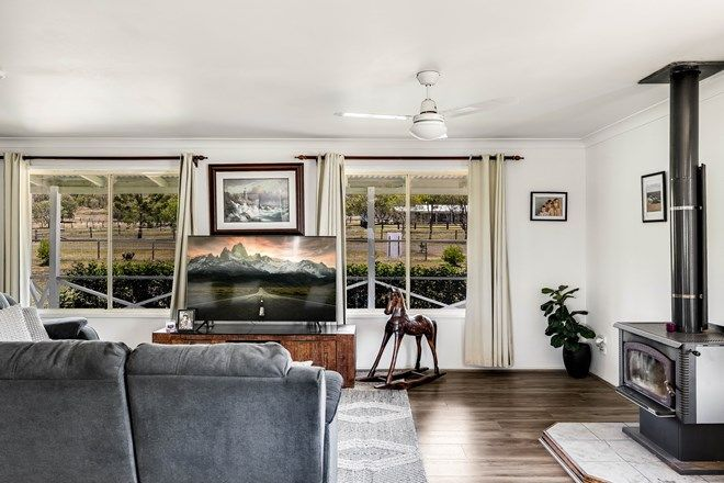 Picture of 1 Nargoon  Street, MERINGANDAN WEST QLD 4352