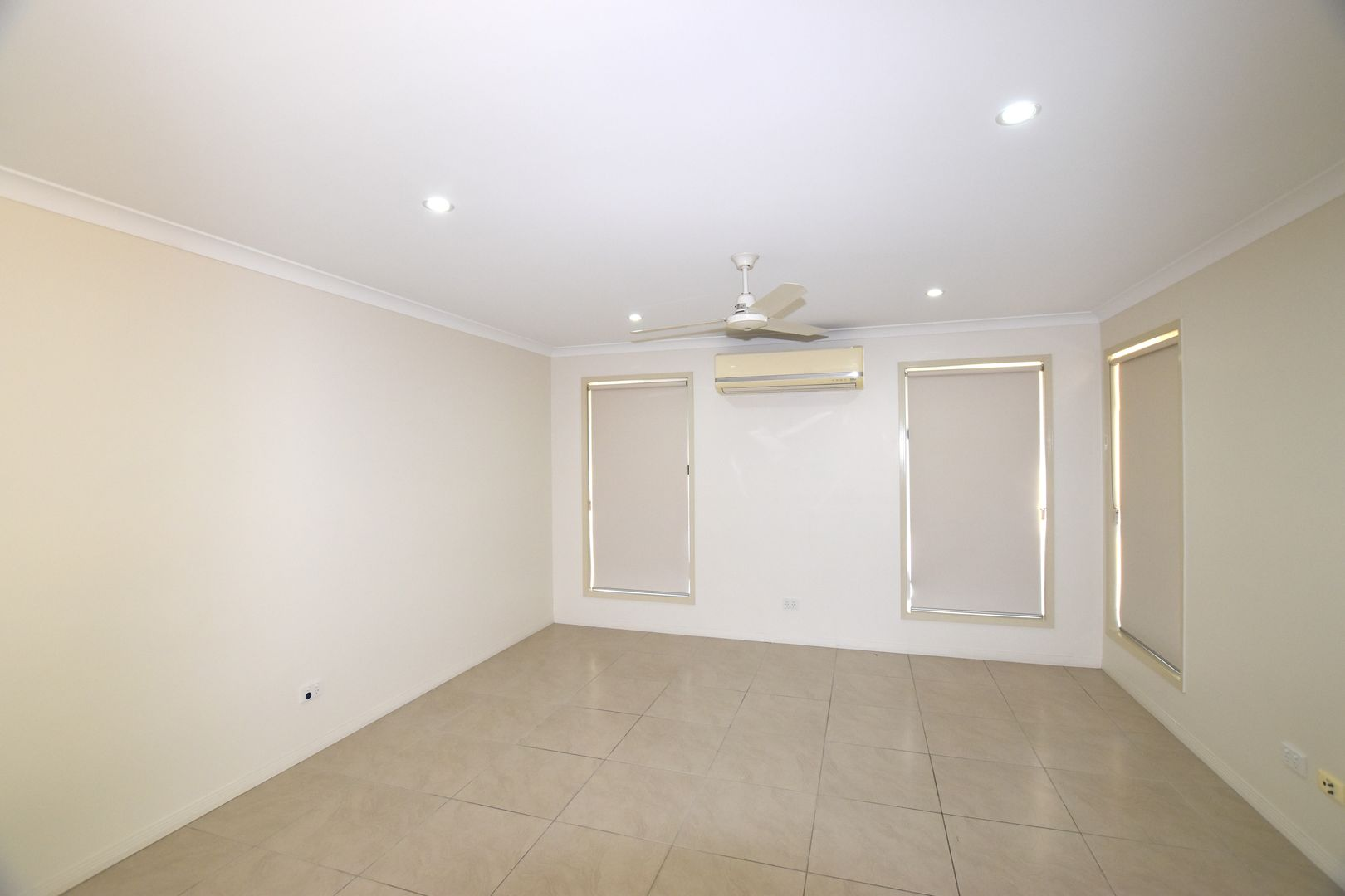 10 Fitzsimmons Street, South Gladstone QLD 4680, Image 1