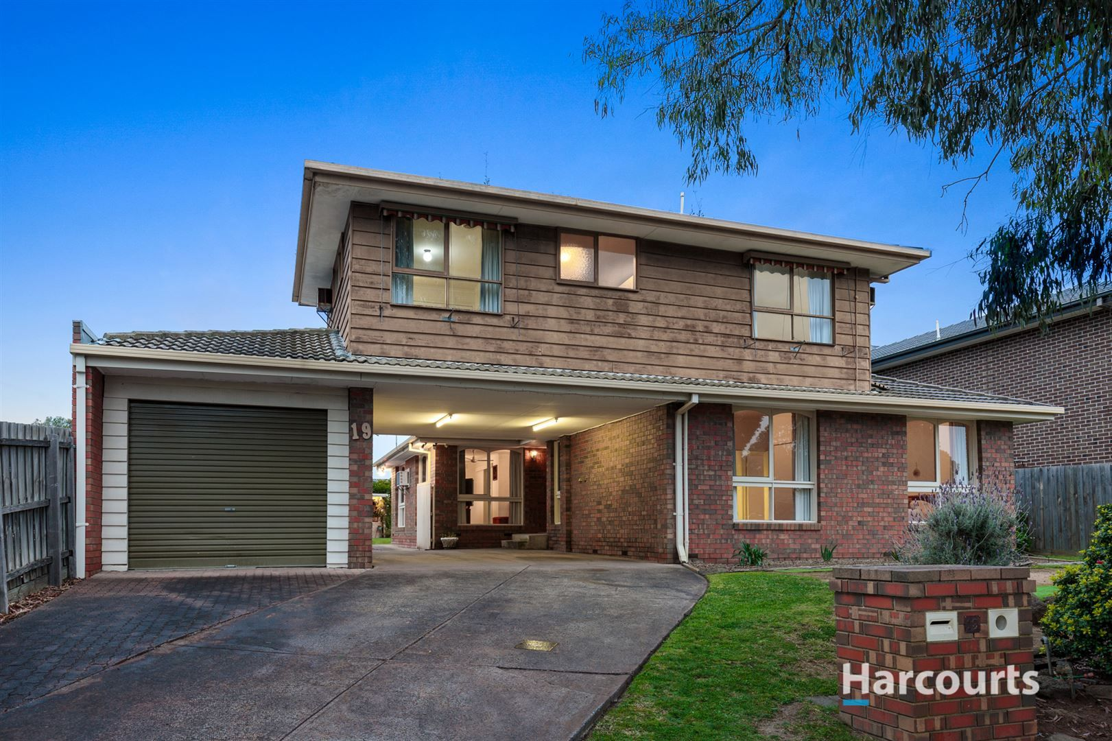 19 Roycroft Avenue, Wantirna South VIC 3152, Image 0